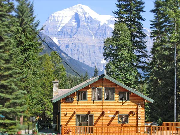 Mount Robson Main Lodge